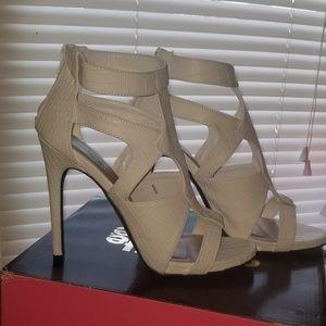 White cage sandals size 10 worn 1x